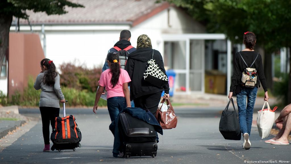 Right to asylum- Bye-bye 1
